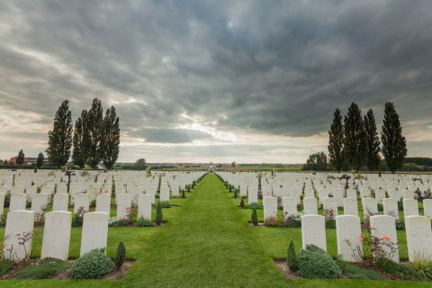 Storm boven Tyne Cot Cemetery